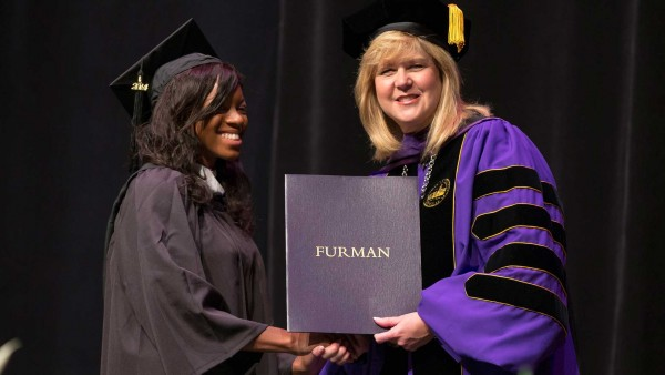 Summer Commencement (size: funews-syndication)
